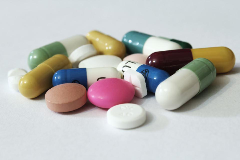 Pills 3 by e-Magine Art